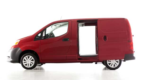 2013B-Nissan-NV200-side