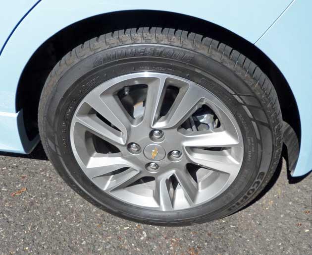 2014-Chevrolet-Spark-EV-Whl
