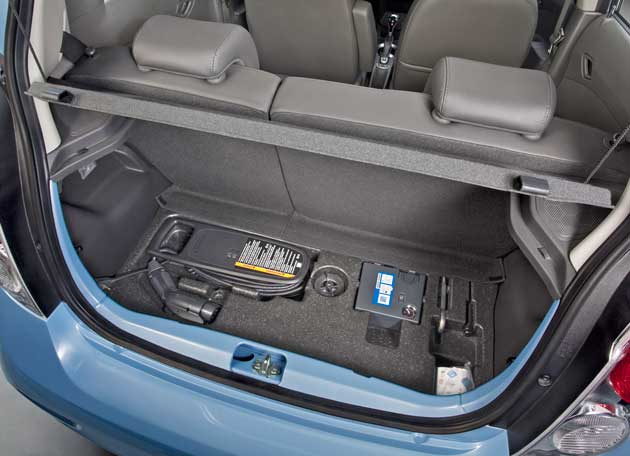 2014-Chevrolet-Spark-EV-crd-stg