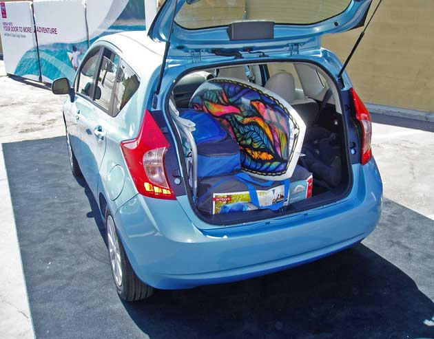 2014-Nissan-Versa-Note-Htch