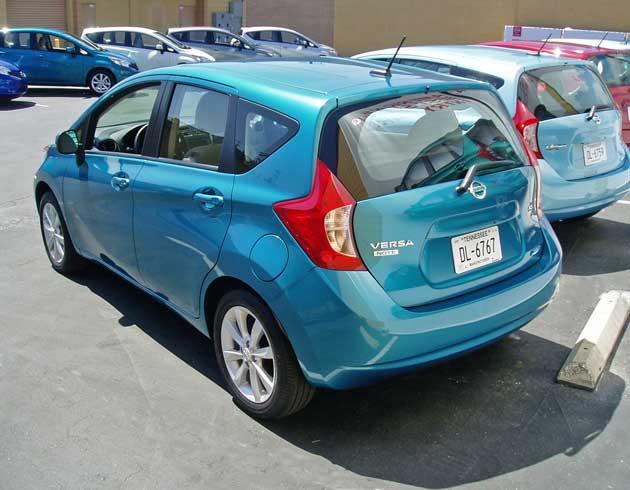 2014-Nissan-Versa-Note-RR