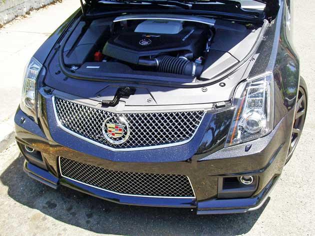 2013-Cadillac-CTS-V-Wagon-Eng