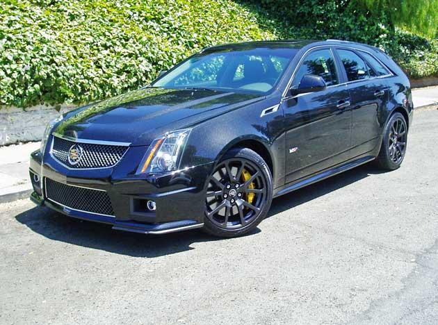 2013-Cadillac-CTS-V-Wagon-FF