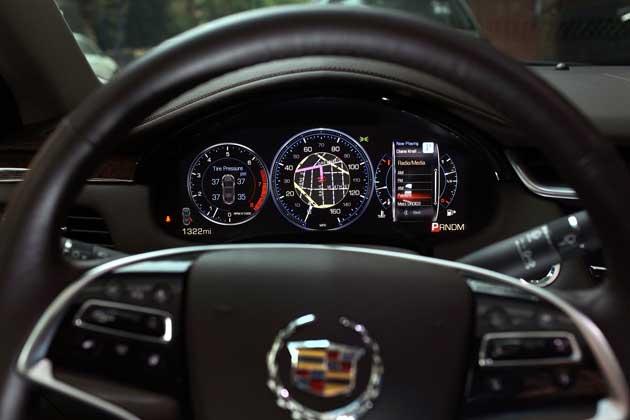 2013-Cadillac-XTS-IP