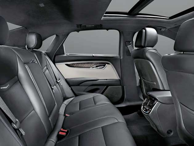 2013-Cadillac-XTS-RSeat