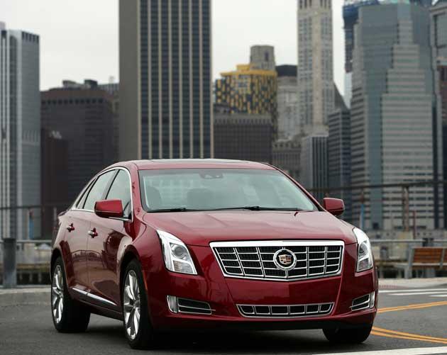 2013-Cadillac-XTS-front