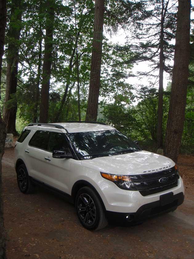 2013-Ford-Explorer-Sport-FrontQ