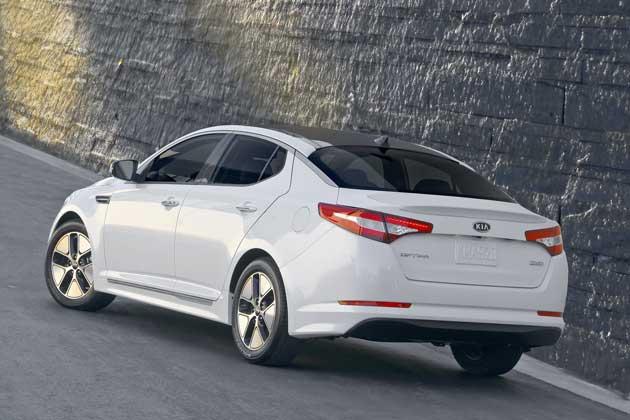 2013-Kia-Optima-Hybrid-rear