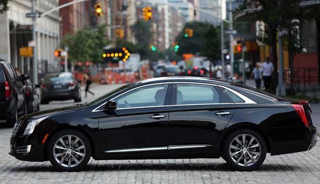 20132550-Cadillac-XTS-side