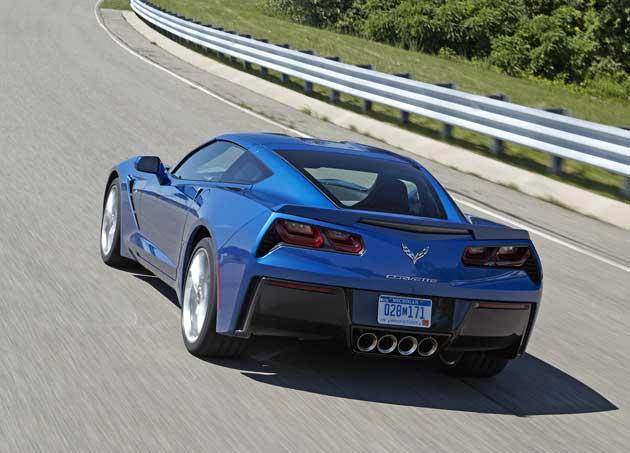 2014-Chevrolet-Corvette-rea