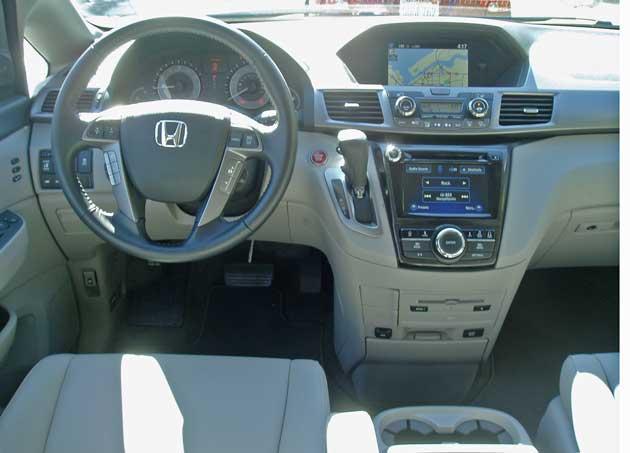 2014-Honda-Odyssey-Touring-Elite-Dsh