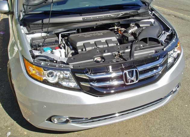 2014-Honda-Odyssey-Touring-Elite-Eng