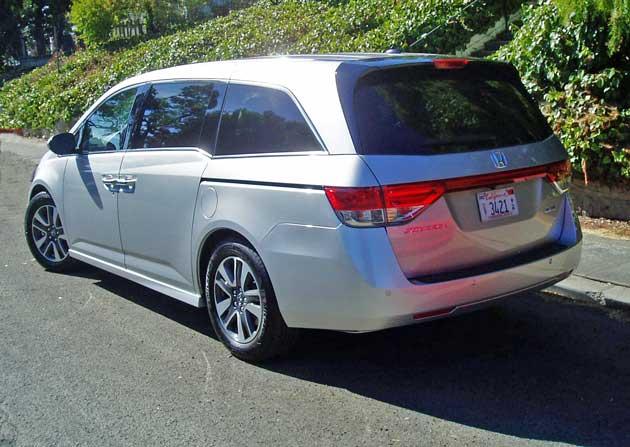 2014-Honda-Odyssey-Touring-Elite-RR