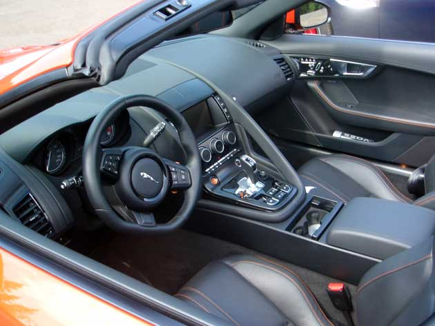 2014-Jaguar-F-Type-inside-b