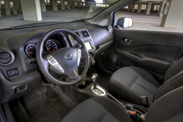 2014-Nissan-Note-interior2