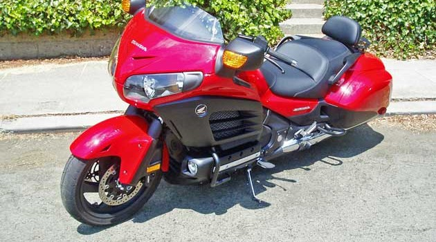 2013 Honda Gold Wing F6B Deluxe Test Ride