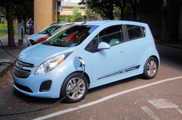 2014 Chevrolet Spark EV pluge-in