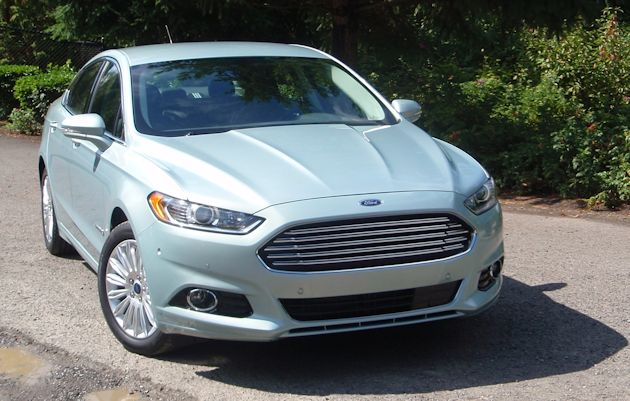 2013 Ford Fusion Hybrid front