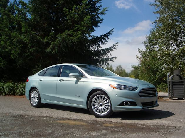 2013 Ford Fusion Hybrid frontQ
