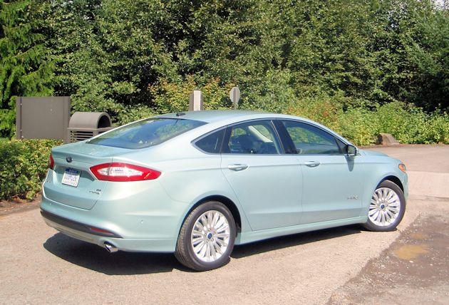 2013 Ford Fusion Hybrid rear