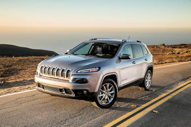 2586 Jeep Cherokee front