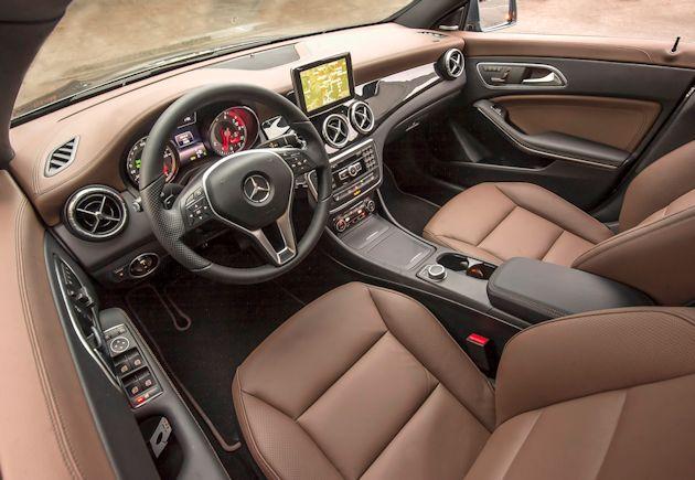 2593 Mercedes CLA interior
