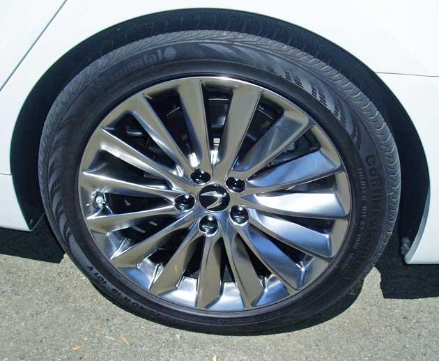 Hyundai-Equus-Whl