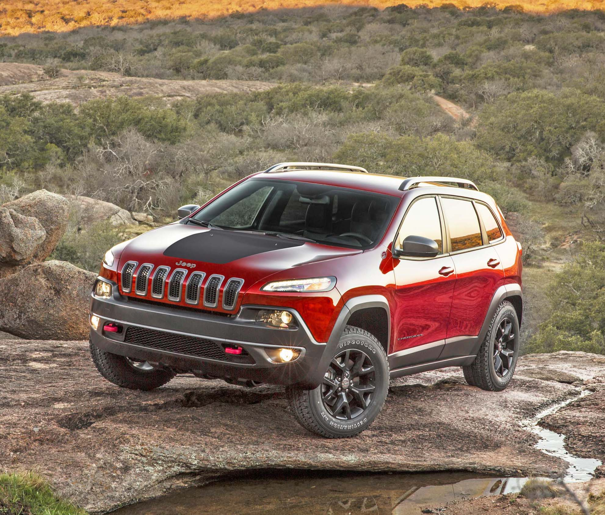 2014 jeep cherokee test drive our auto expert. Black Bedroom Furniture Sets. Home Design Ideas