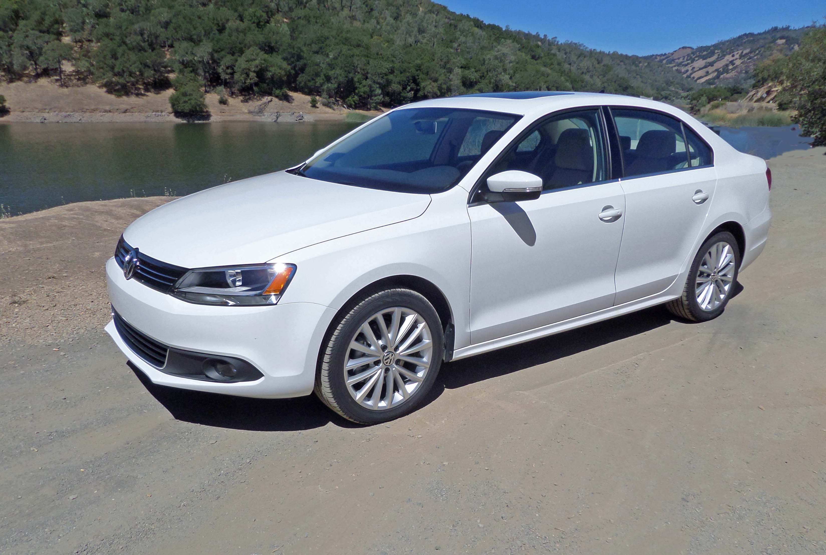 2014 volkswagen jetta sel test drive our auto expert. Black Bedroom Furniture Sets. Home Design Ideas
