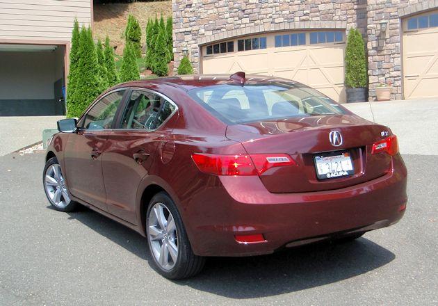 2014 Acura ILX rear