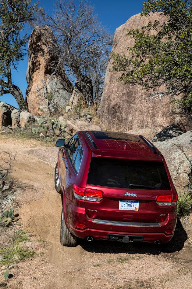 2014 Jeep Grand Cherokee climb
