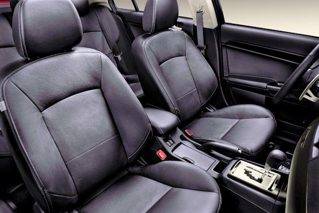 2014 Mitsubishi Lancer interior