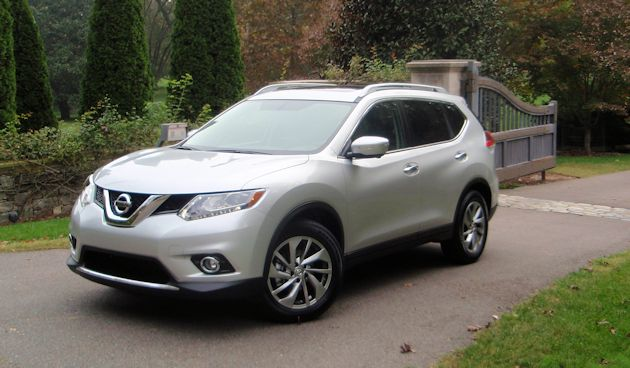 2014 Nissan Rogue front