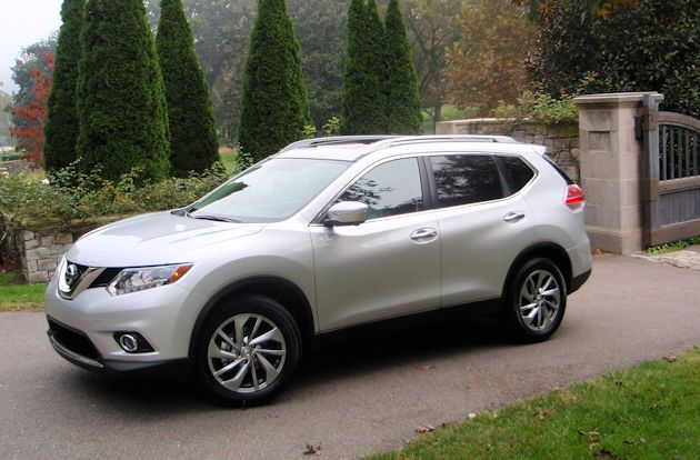 2014 Nissan Rogue frontD