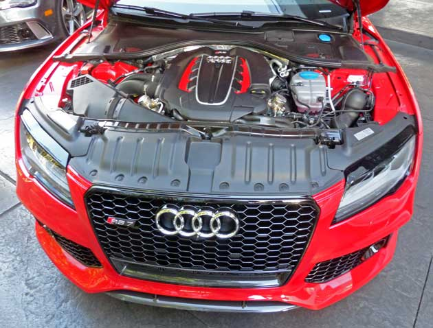 Audi-RS7-Eng