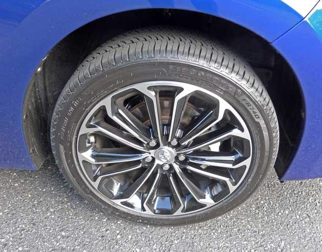 Toyota-Corolla-Whl