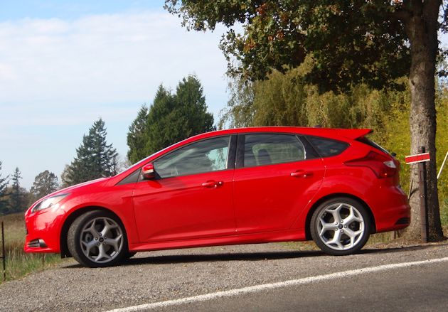 2014 Ford Focus ST side