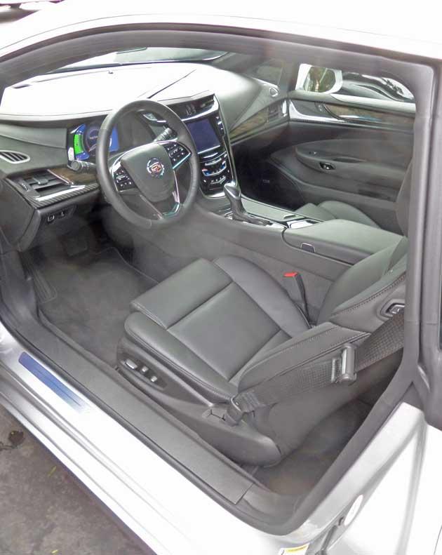Cadillac-ELR-Int