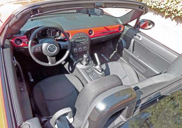 Mazda-MX-5-Int