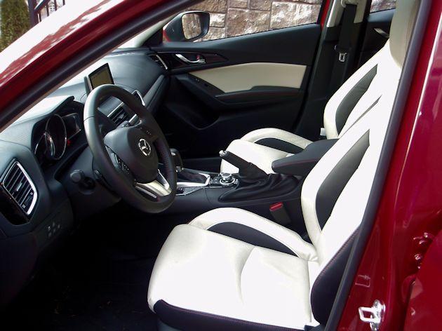 2014 Mazda interior