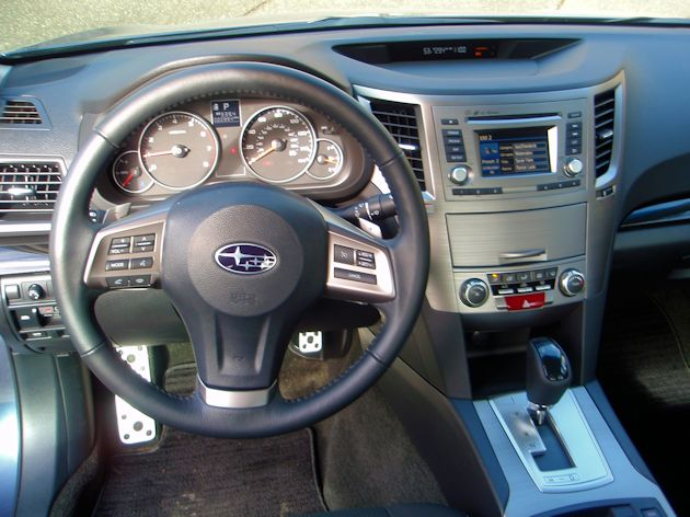 2014 Subaru Legacy dash