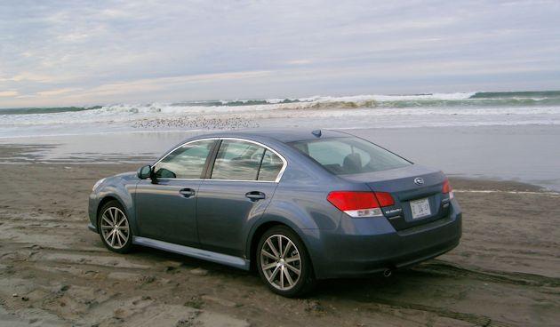 2014 Subaru Legacy rearQ