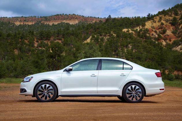 2014 Volkswagen Jetta side