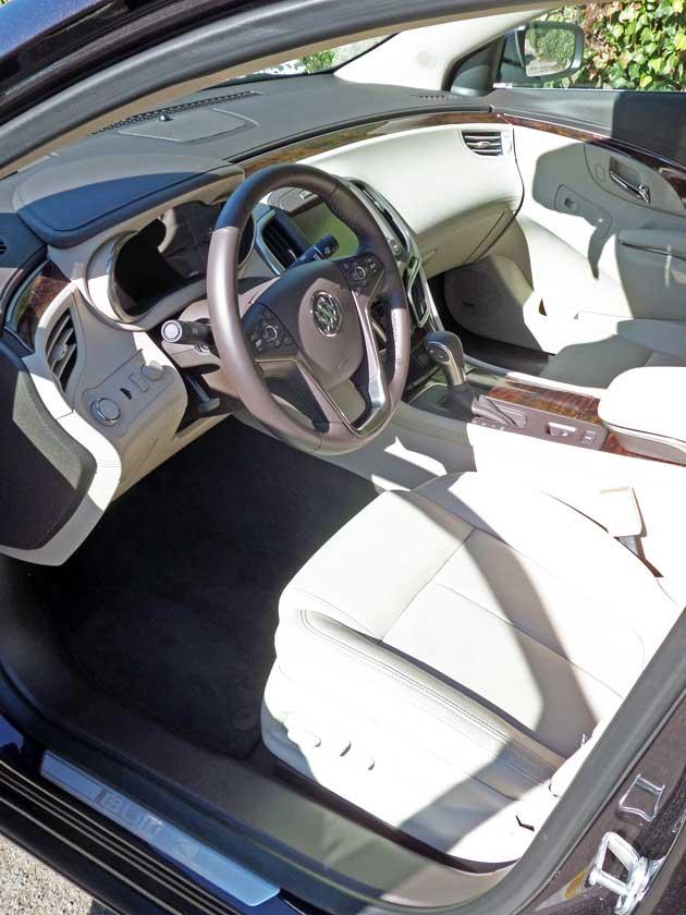 Buick-LaCrosse-Int
