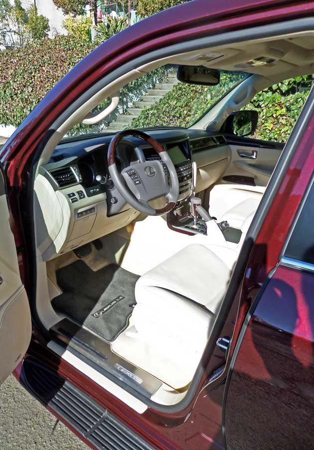 Lexus-LX-570-Int