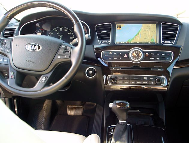 2014 Kia Cadenza door dash