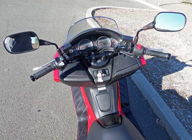 Honda-Forza-Scooter-Cntrls