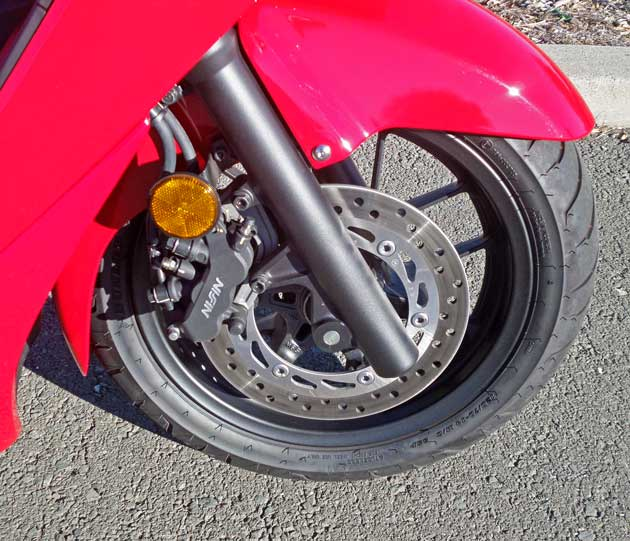 Honda-Forza-Scooter-FWhl