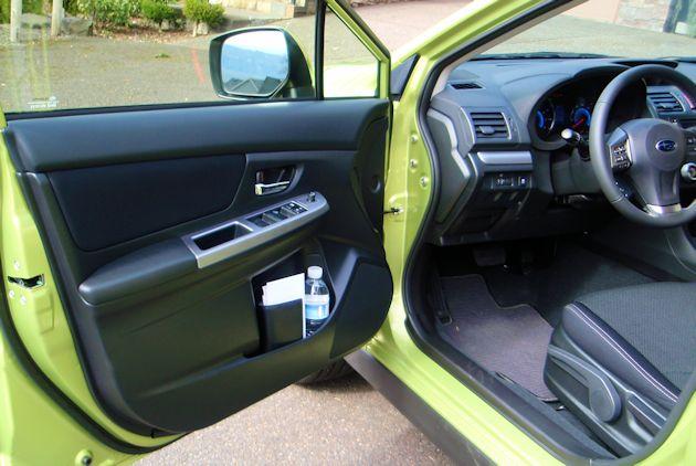 2014 Subaru XV Crosstrek Hybrid door