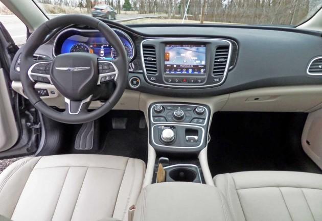 Chrysler-200-Dash